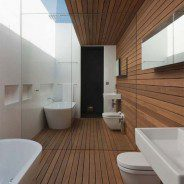 Drewniana podłoga w łazience to dobry pomysł