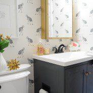 Mała łazienka – sprytne triki, dzięki którym dobrze urządzisz przestrzeń